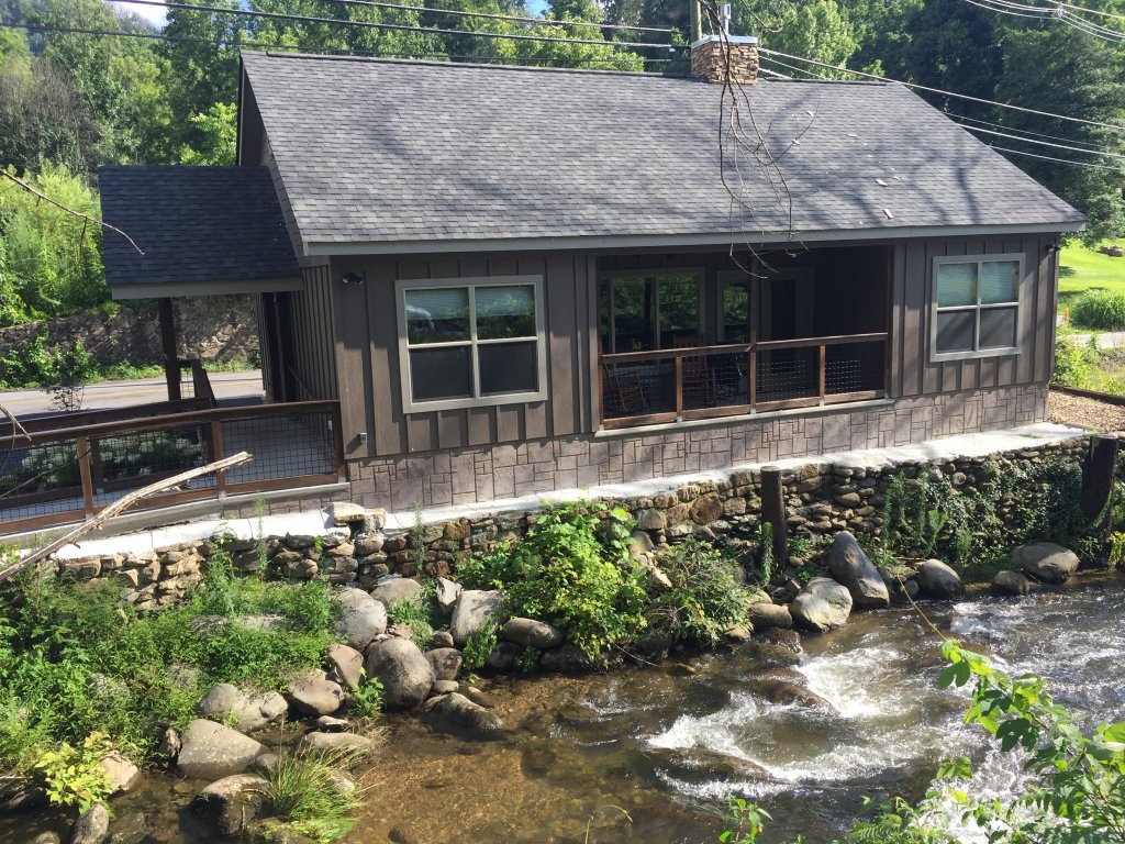 Photo of a Gatlinburg Cabin named Roaring Fork Retreat - This is the first photo in the set.