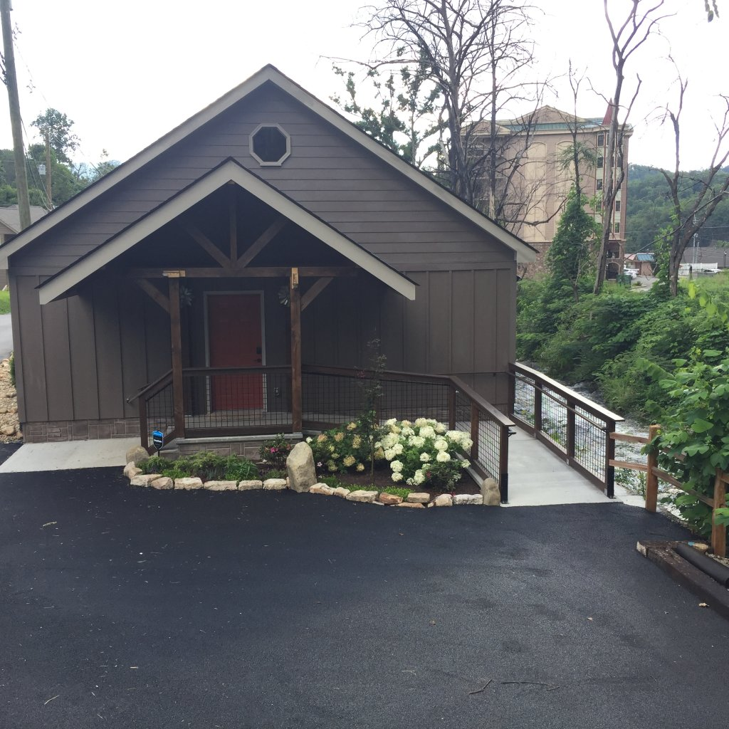 Photo of a Gatlinburg Cabin named Roaring Fork Retreat - This is the fourth photo in the set.