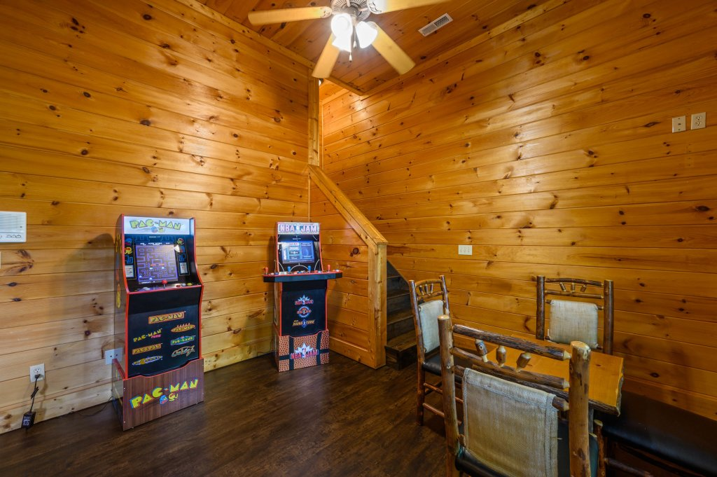Photo of a Pigeon Forge Cabin named Cinnamon Chalet - This is the seventh photo in the set.