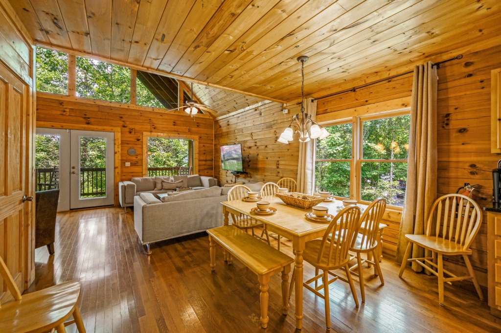 Photo of a Pigeon Forge Cabin named Cinnamon Chalet - This is the tenth photo in the set.