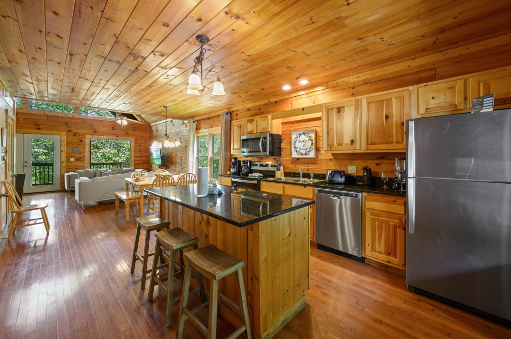 Photo of a Pigeon Forge Cabin named Cinnamon Chalet - This is the twelfth photo in the set.