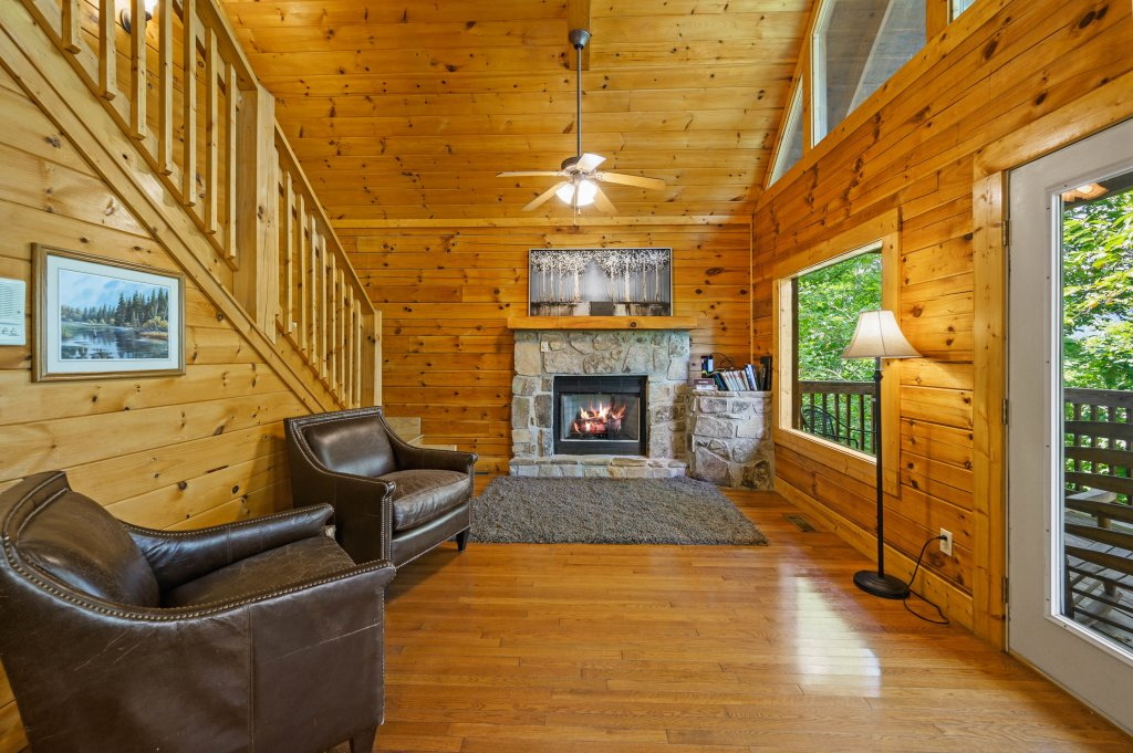 Photo of a Pigeon Forge Cabin named Cinnamon Chalet - This is the fifty-ninth photo in the set.