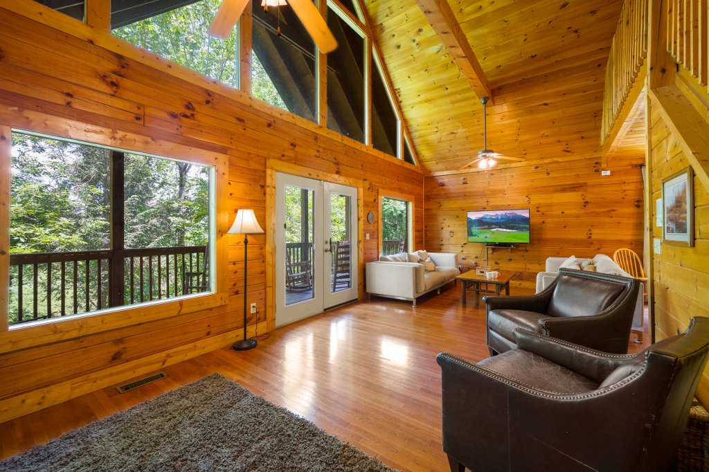 Photo of a Pigeon Forge Cabin named Cinnamon Chalet - This is the sixty-first photo in the set.