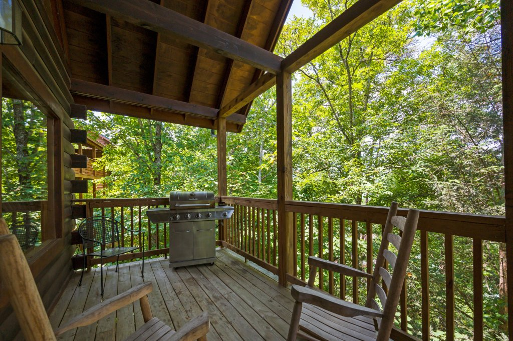 Photo of a Pigeon Forge Cabin named Cinnamon Chalet - This is the thirtieth photo in the set.