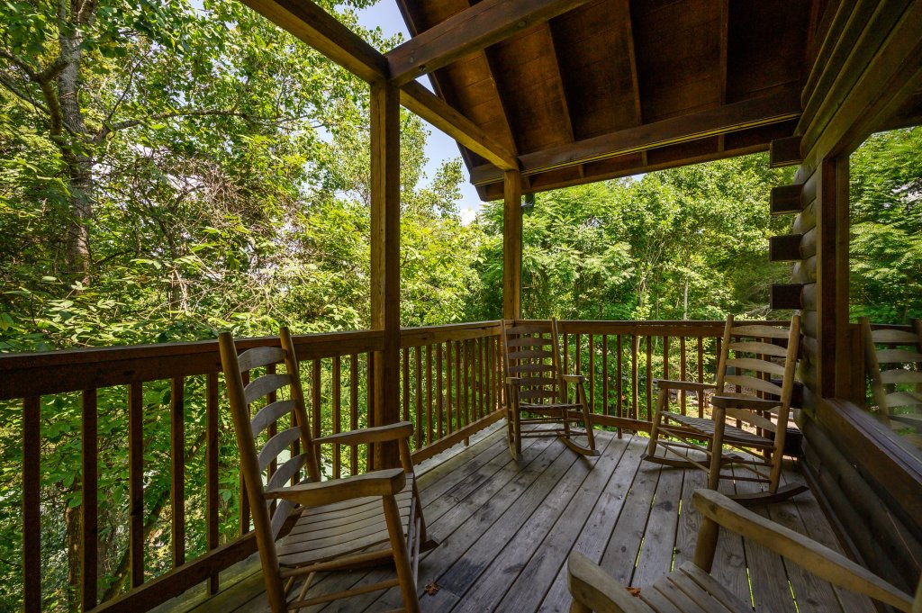 Photo of a Pigeon Forge Cabin named Cinnamon Chalet - This is the seventy-third photo in the set.