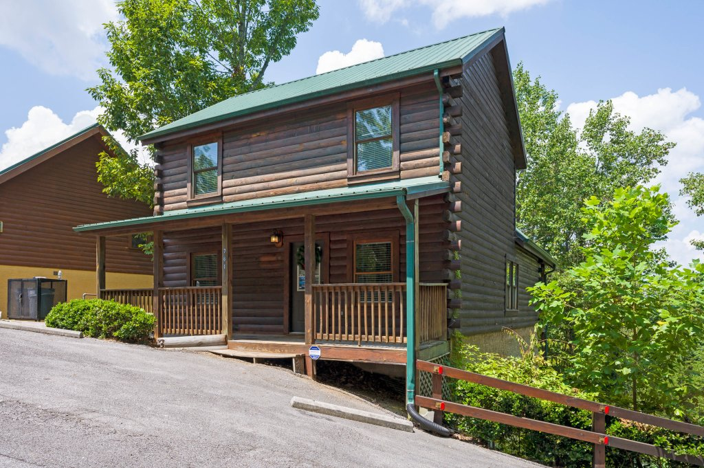 Photo of a Pigeon Forge Cabin named Cinnamon Chalet - This is the seventy-fifth photo in the set.