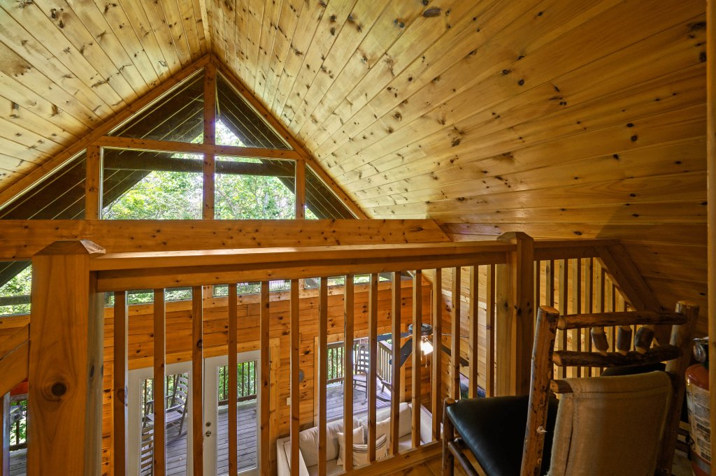 Photo of a Pigeon Forge Cabin named Cinnamon Chalet - This is the sixty-fifth photo in the set.