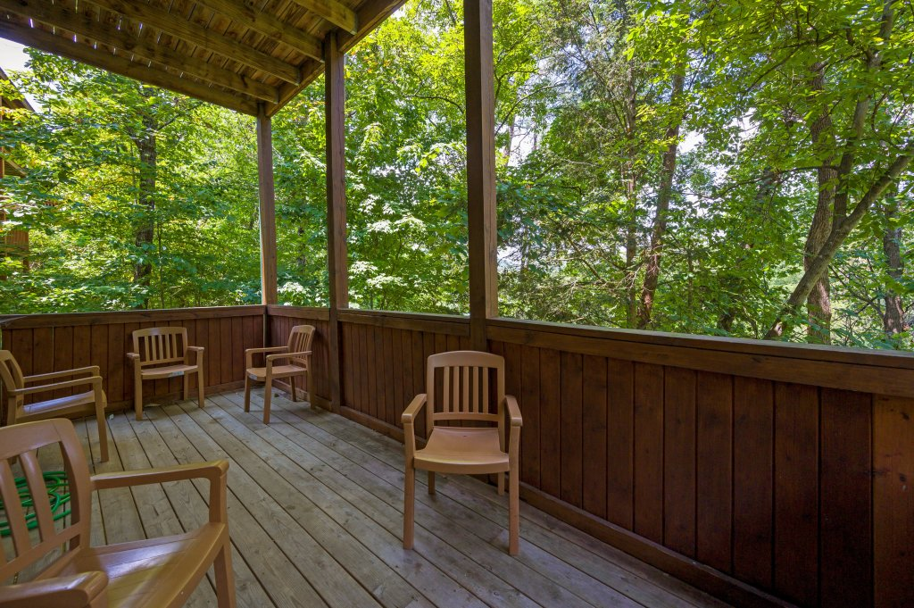 Photo of a Pigeon Forge Cabin named Cinnamon Chalet - This is the seventy-first photo in the set.