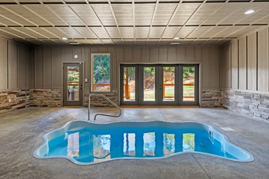 New Listing! Free Attractions, Private Indoor Pool, Firepit, Great Views