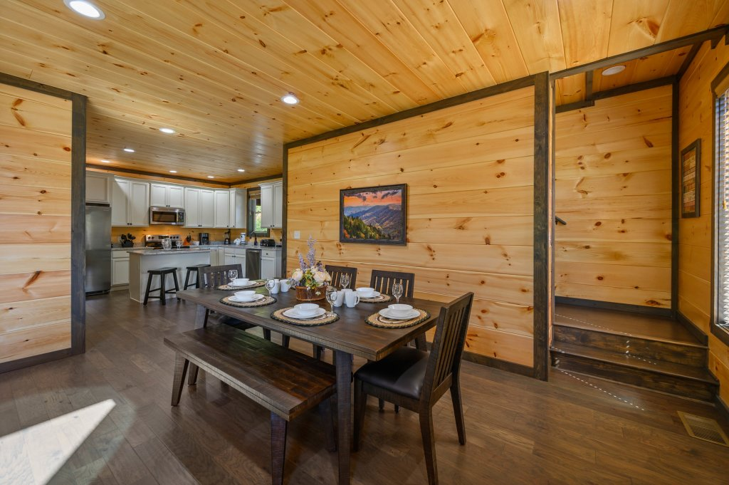 Photo of a Pigeon Forge Cabin named Splashin And Relaxin - This is the eighty-first photo in the set.