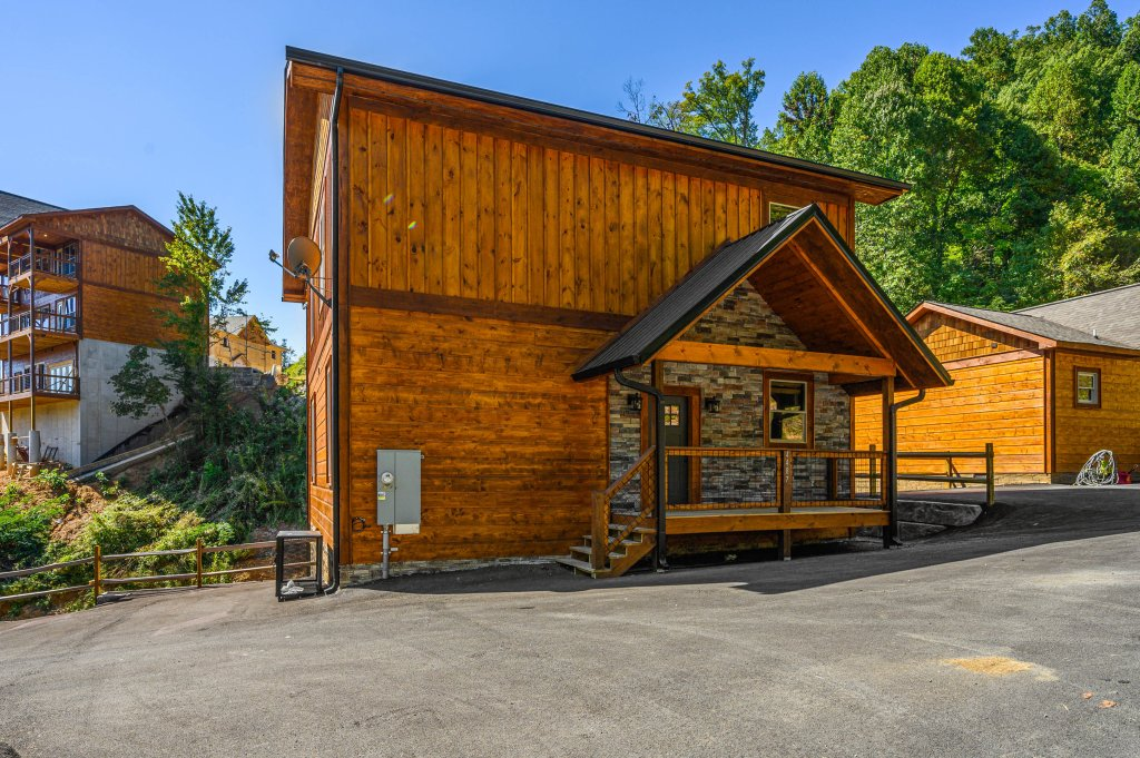 Photo of a Pigeon Forge Cabin named Splashin And Relaxin - This is the sixty-second photo in the set.