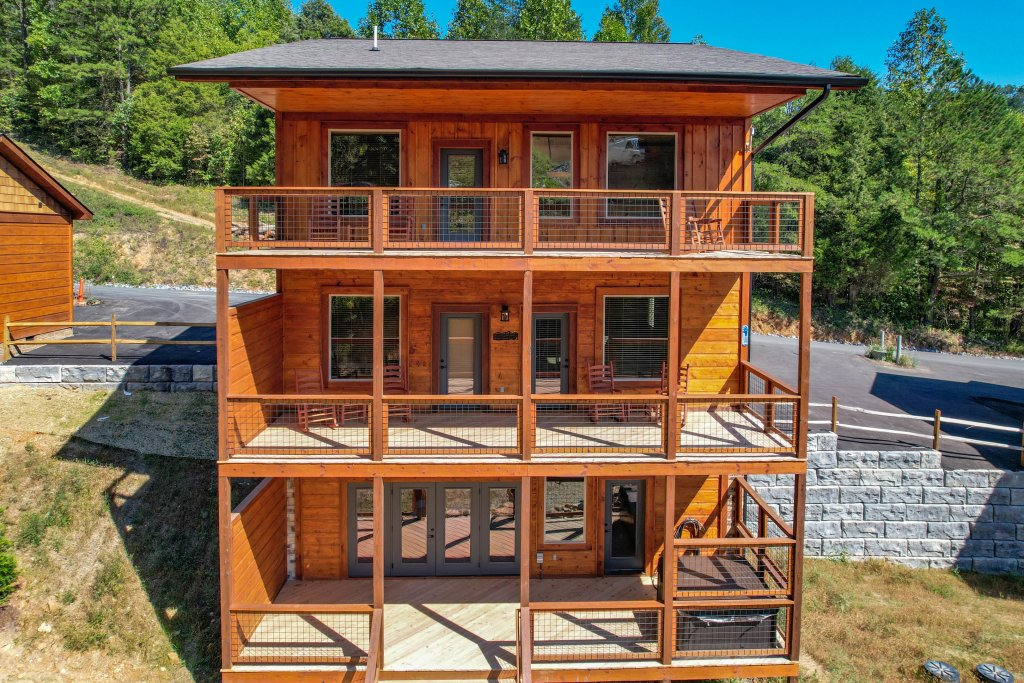 Photo of a Pigeon Forge Cabin named Splashin And Relaxin - This is the sixty-sixth photo in the set.