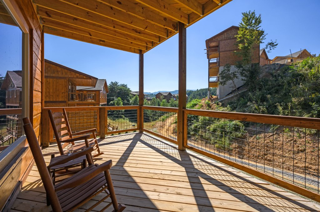 Photo of a Pigeon Forge Cabin named Splashin And Relaxin - This is the fifty-second photo in the set.
