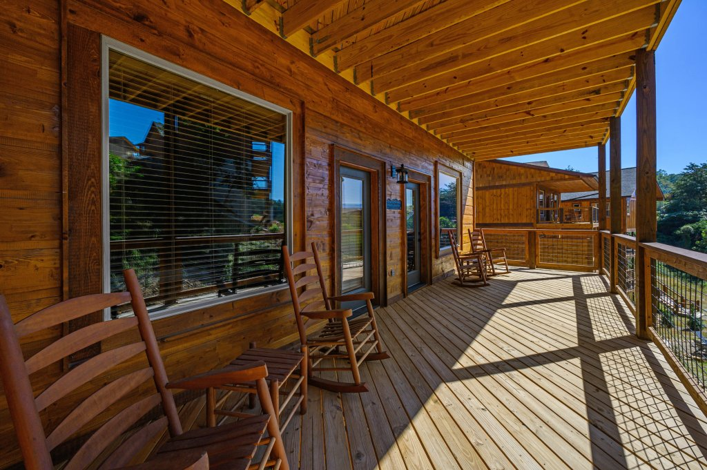 Photo of a Pigeon Forge Cabin named Splashin And Relaxin - This is the fifty-first photo in the set.
