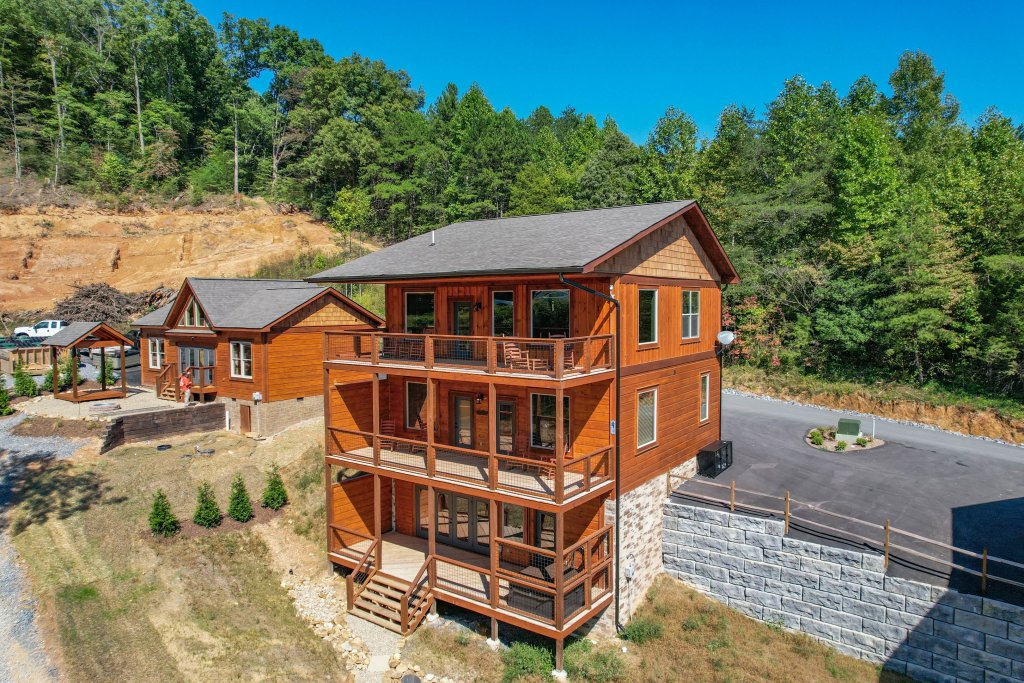 Photo of a Pigeon Forge Cabin named Splashin And Relaxin - This is the sixty-third photo in the set.