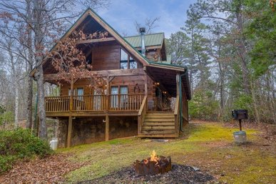 Semi-secluded, 3 Bedroom, 3 Bath Cabin With Foosball & Pool Table For Families.