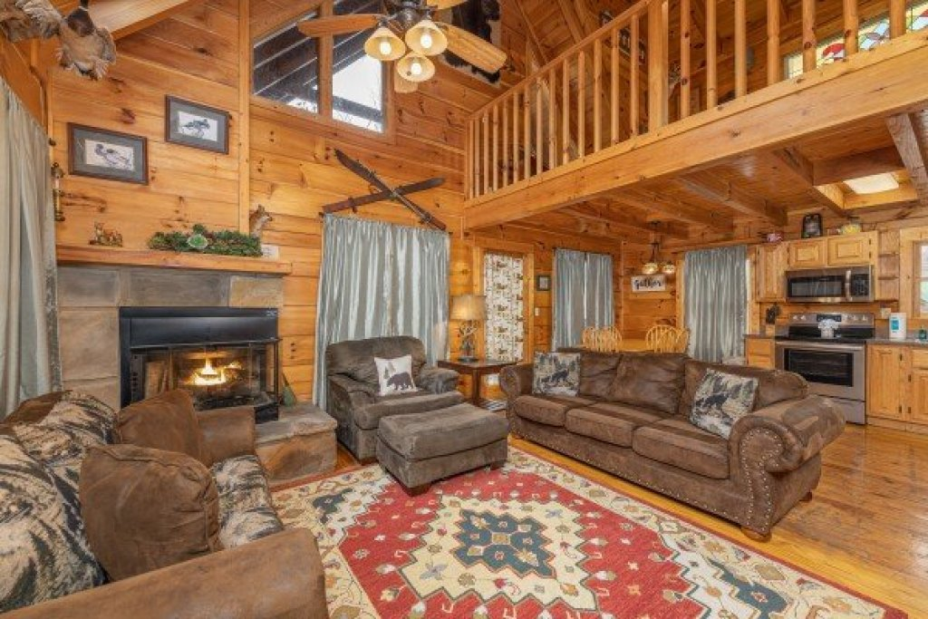 Photo of a Gatlinburg Cabin named Fox Ridge - This is the ninth photo in the set.