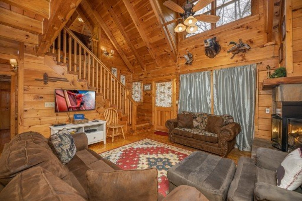Photo of a Gatlinburg Cabin named Fox Ridge - This is the tenth photo in the set.
