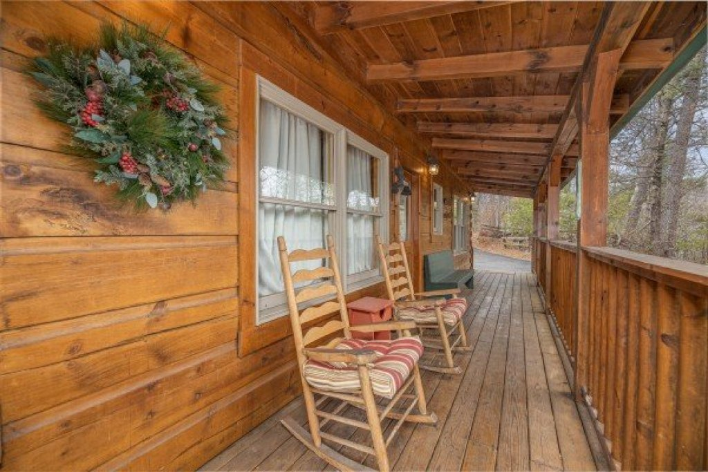 Photo of a Gatlinburg Cabin named Fox Ridge - This is the fourteenth photo in the set.