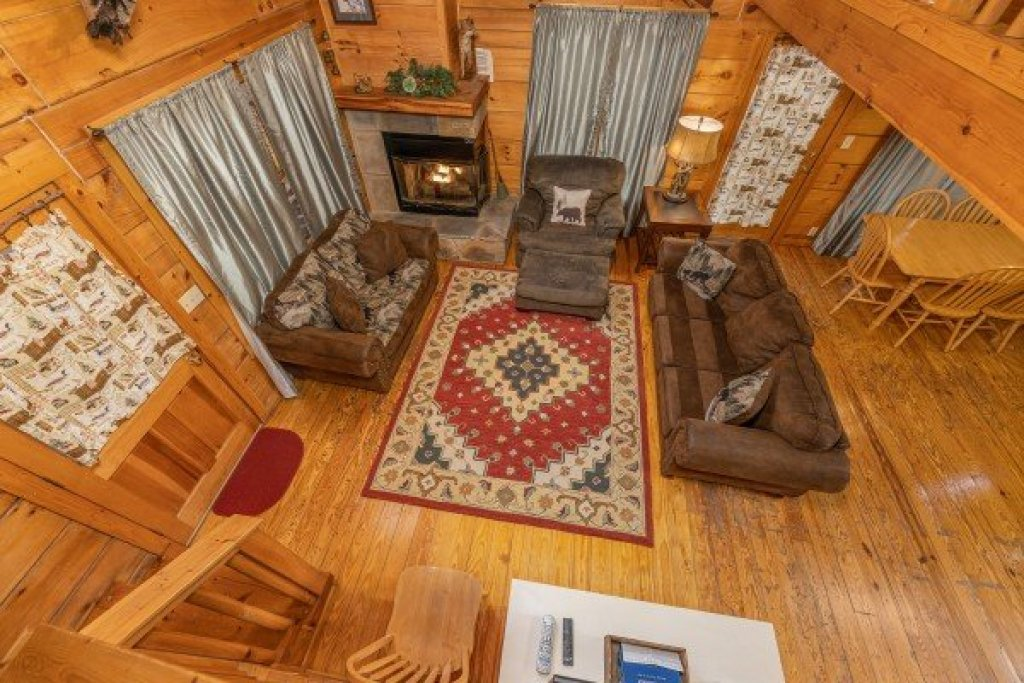 Photo of a Gatlinburg Cabin named Fox Ridge - This is the eighteenth photo in the set.