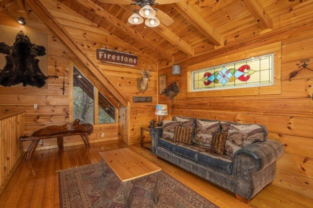 Photo of a Gatlinburg Cabin named Fox Ridge - This is the nineteenth photo in the set.