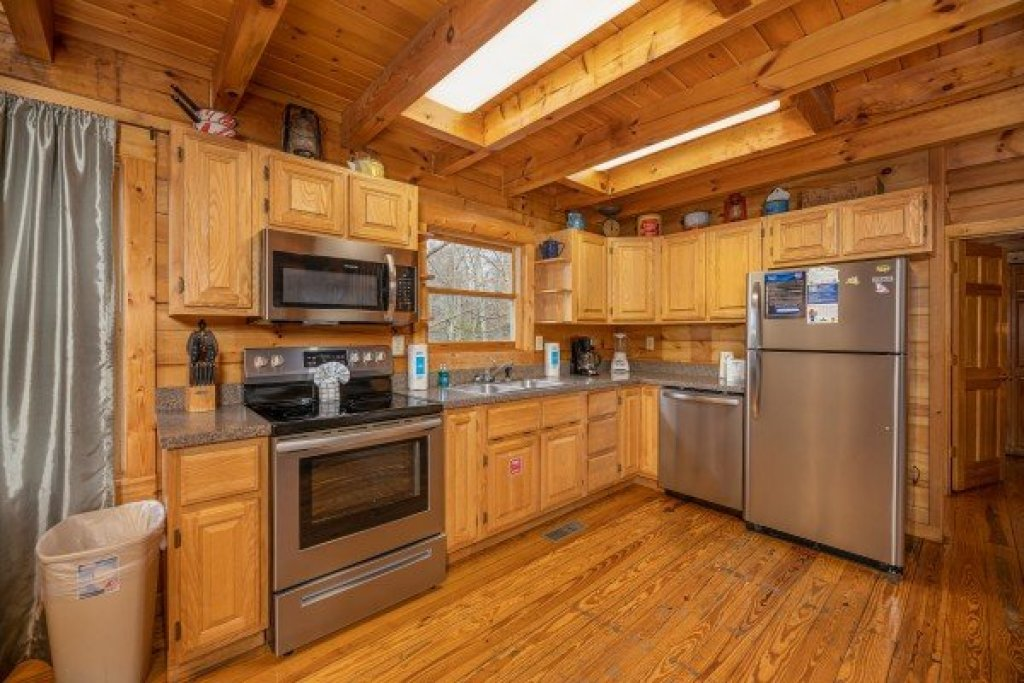Photo of a Gatlinburg Cabin named Fox Ridge - This is the twelfth photo in the set.