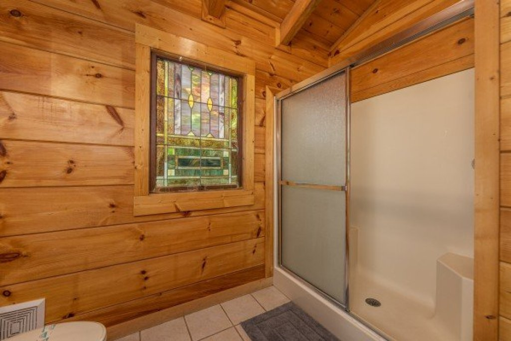 Photo of a Gatlinburg Cabin named Fox Ridge - This is the twenty-first photo in the set.