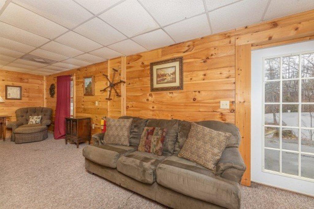 Photo of a Gatlinburg Cabin named Fox Ridge - This is the twenty-seventh photo in the set.