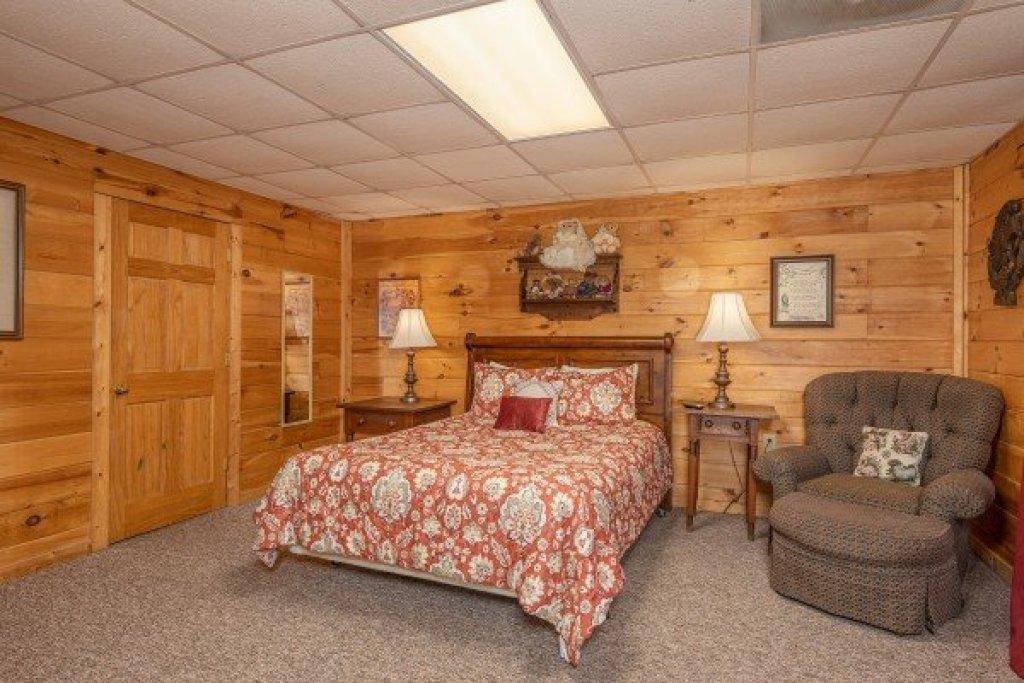 Photo of a Gatlinburg Cabin named Fox Ridge - This is the twenty-eighth photo in the set.