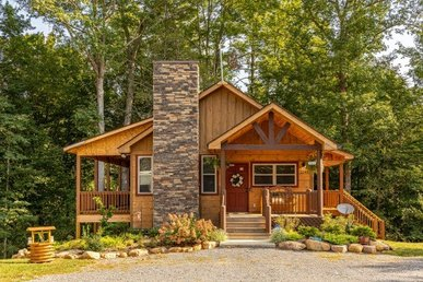 A 2 Bedroom, 2 Bath, Brand New, Luxury Cabin For 8; Easy Access To Pigeon Forge.