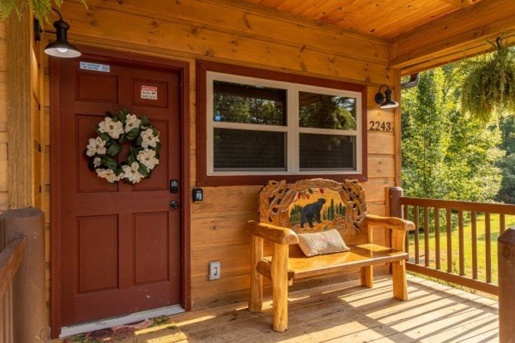 Photo of a Sevierville Cabin named 2 Crazy Cubs - This is the third photo in the set.