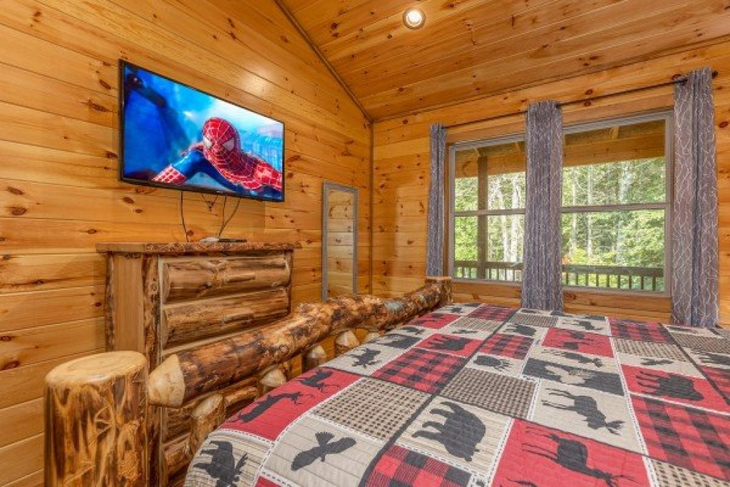 Photo of a Sevierville Cabin named 2 Crazy Cubs - This is the ninth photo in the set.