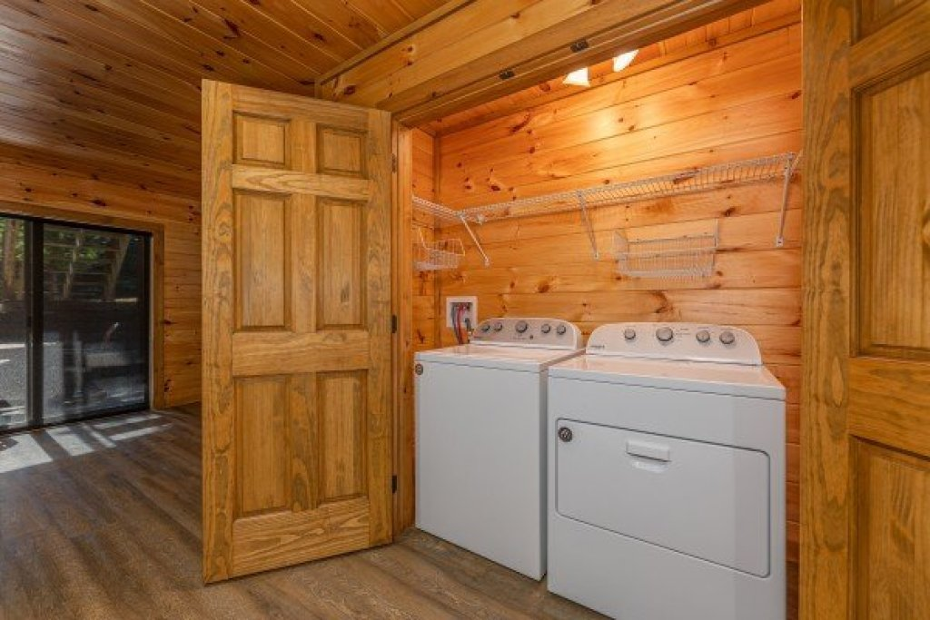 Photo of a Sevierville Cabin named 2 Crazy Cubs - This is the fifteenth photo in the set.