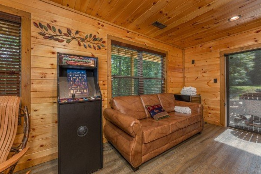 Photo of a Sevierville Cabin named 2 Crazy Cubs - This is the sixteenth photo in the set.