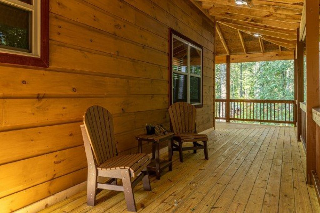 Photo of a Sevierville Cabin named 2 Crazy Cubs - This is the eighteenth photo in the set.