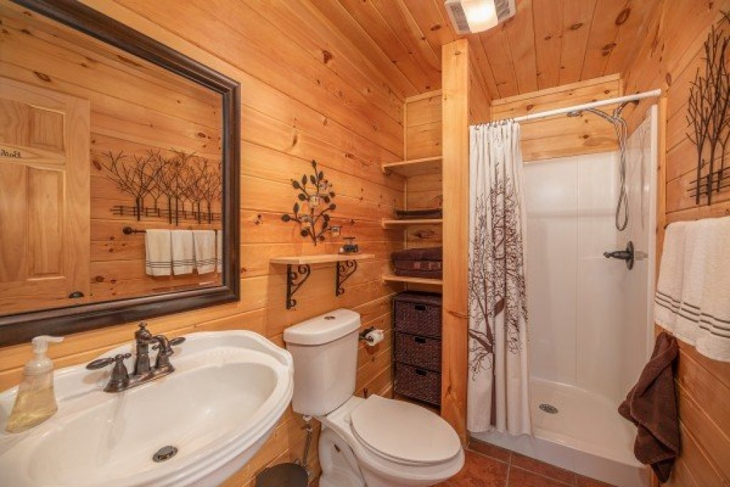 Photo of a Sevierville Cabin named All Hours - This is the ninth photo in the set.
