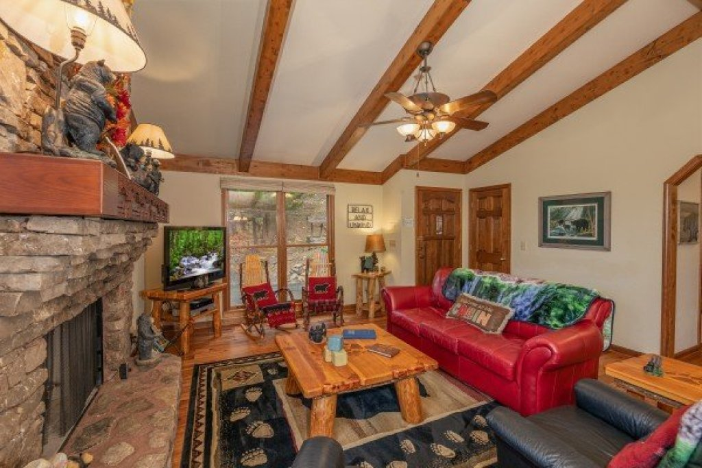 Photo of a Sevierville Cabin named Lazy Bear Retreat - This is the fourth photo in the set.