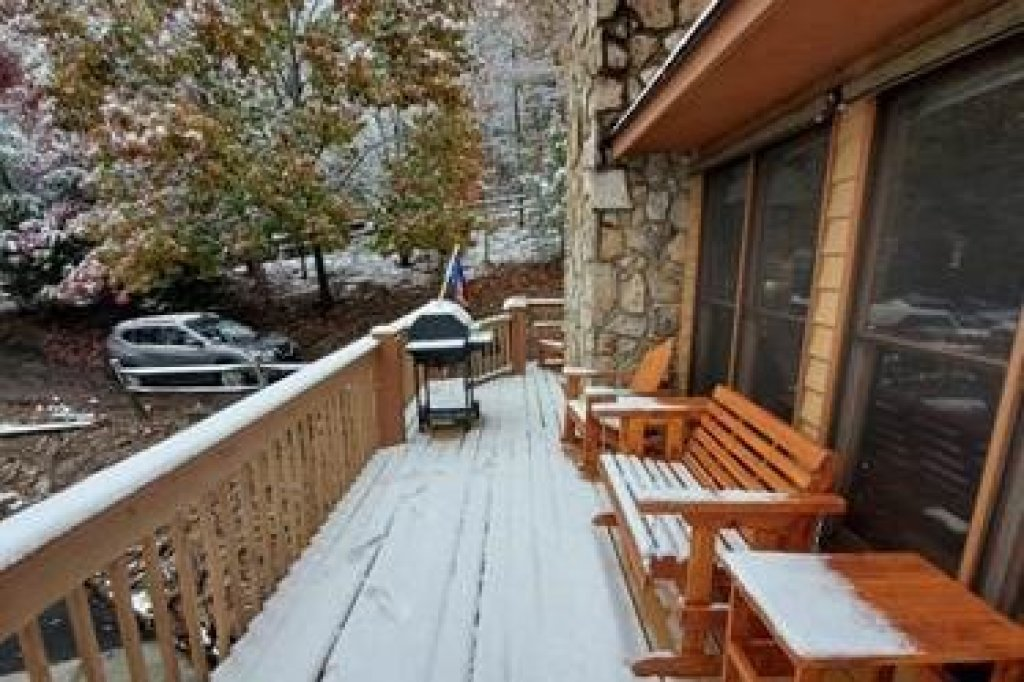 Photo of a Sevierville Cabin named Lazy Bear Retreat - This is the fortieth photo in the set.
