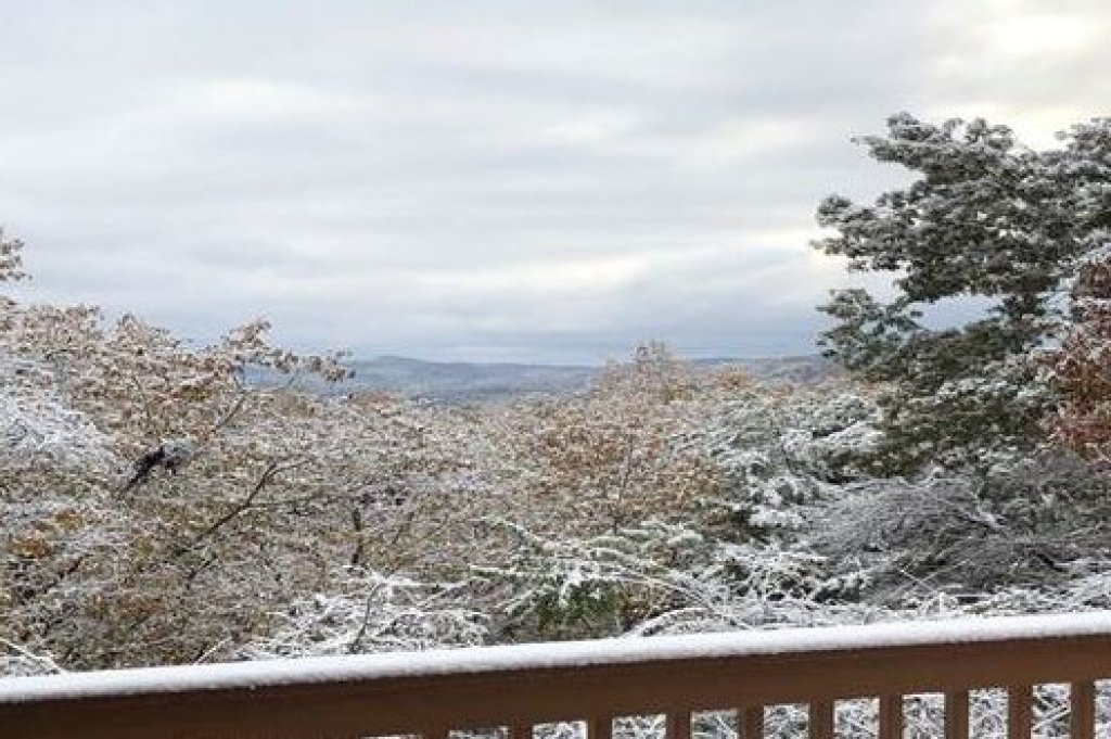 Photo of a Sevierville Cabin named Lazy Bear Retreat - This is the thirty-second photo in the set.