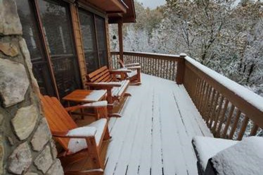 Photo of a Sevierville Cabin named Lazy Bear Retreat - This is the forty-first photo in the set.