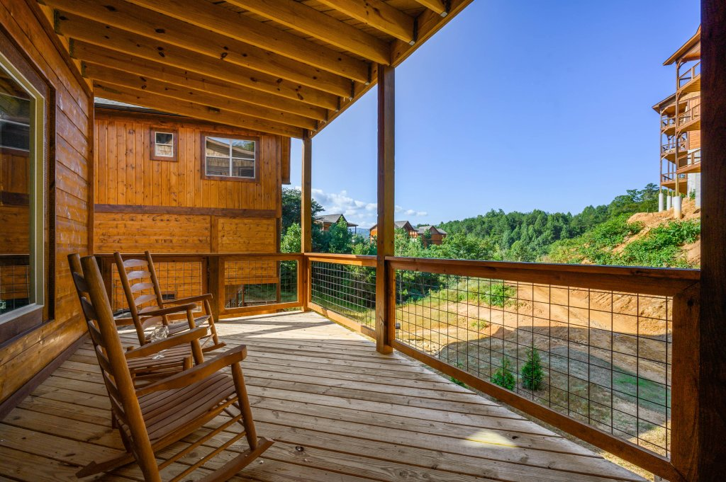 Photo of a Pigeon Forge Cabin named Shangrila Oasis - This is the eighty-third photo in the set.