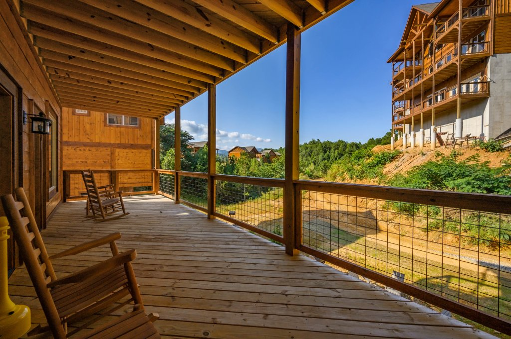 Photo of a Pigeon Forge Cabin named Shangrila Oasis - This is the eighty-first photo in the set.