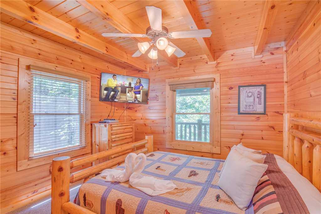 Mountain Dreams Ii Cabin in Gatlinburg w/ 3 BR (Sleeps10)