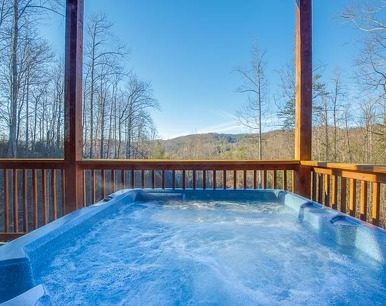 Apple Bear Lodge, 4 Bedrooms, Jacuzzis, Pool Table, Hot Tub, Sleeps 16