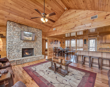 Parkside Lodge, 6 Bedrooms, Theater Room, Hot Tub, Pool Table, Sleeps 26
