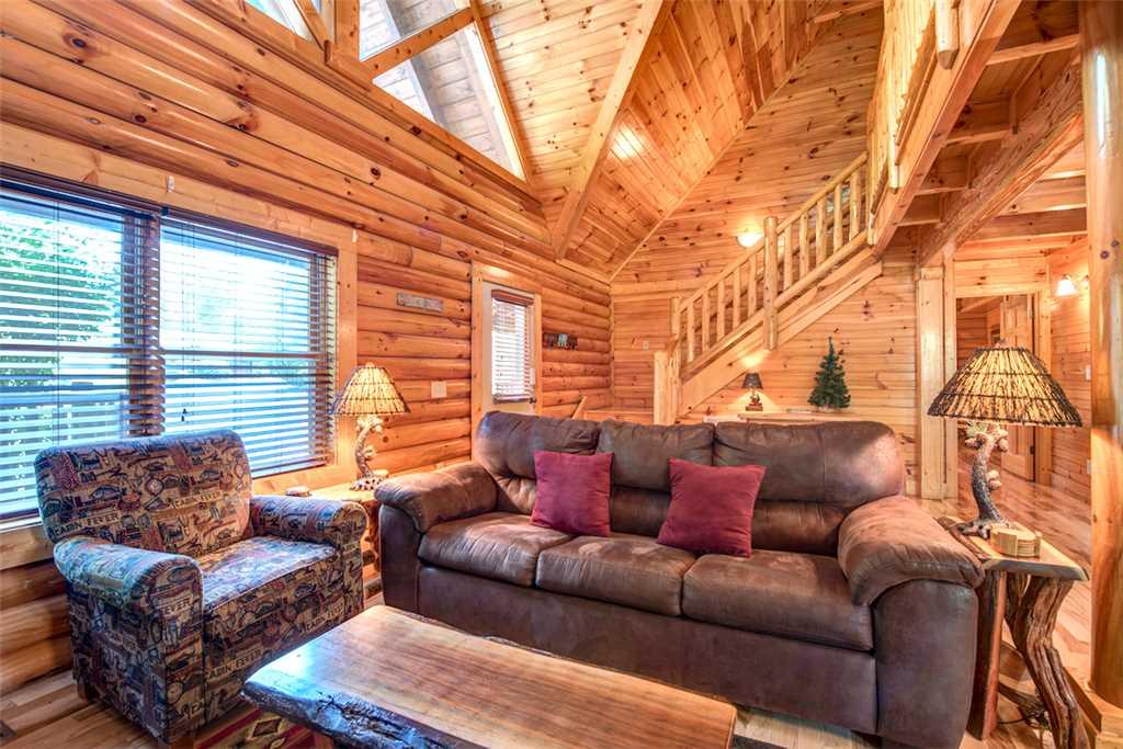 Natural Beauty Cabin In Gatlinburg W 2 Br Sleeps6