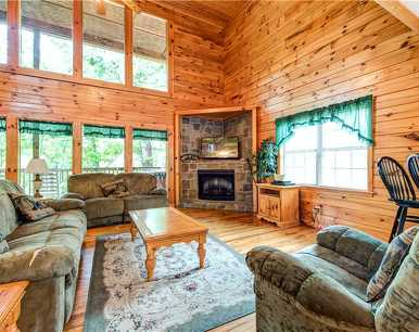 Hawks Point Lodge, 5 Bedrooms, Pool Access, Hot Tub, Pool Table, Sleeps 10