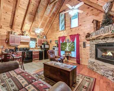 Whispering Secrets, 1 Bedroom, Creekside, Fireplace, Hot Tub, Sleeps 2