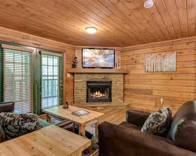 Smoky Mountain Bliss, 3 Bedroom, Hot Tub, Fireplace, Arcade, Sleeps 12