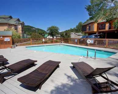 Mountain Cruisin', 3 Bedroom, WiFi, Pool Access, Sleeps 6